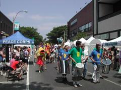 ArtBeat 2005 Parade, Davis Square, Somerville (DSCN1472)