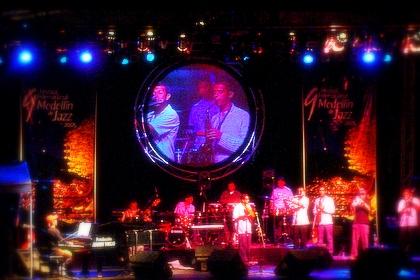 Puerto Candelaria, Salsa + Jazz, noche Jacuzza en julio 2005 con Oren Ishii