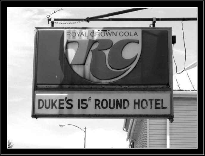 Duke's 15 Round Hotel