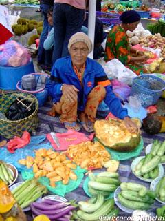 Brunei - Kianggeh Tamu - Local Lady
