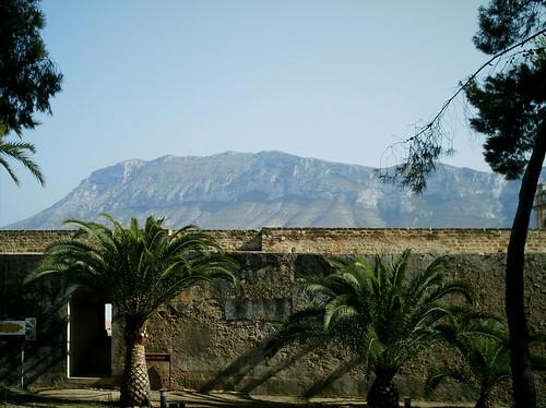 castillo Denia y el Montgó