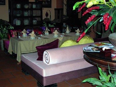 Ly club lounge