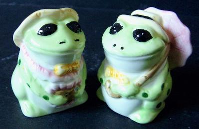 Kitchen Set - Frog Salt & Pepper Set