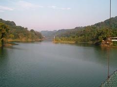 從寶湖吊橋遠觀碧湖吊橋