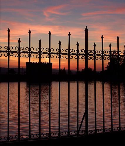 Reservoir-Sunset-Fence