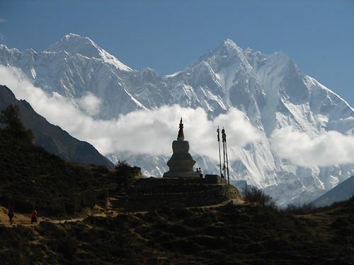nepal trek solukhumbu chorten himalaya lhotse mt everest 8000er 8000m geotagged geo:lat=2781676444434057 geo:lon=8672961059805039 silhouette sagarmatha everestregion