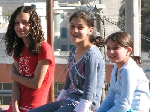 Girls waiting for ride_0752c | by hoyasmeg