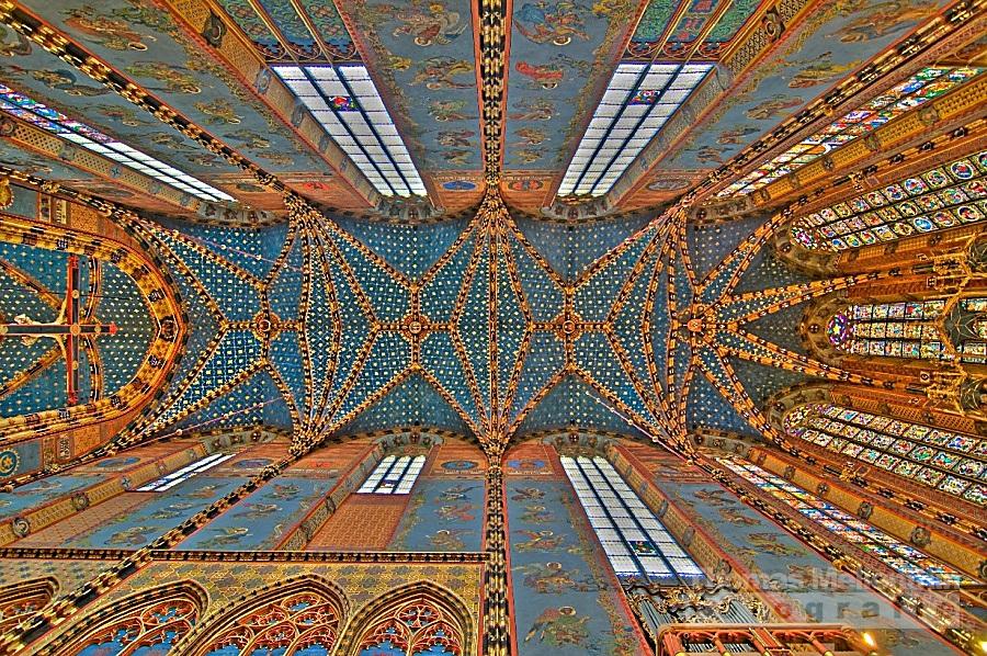 St. Mary's Basilica (Krakow) by gurke