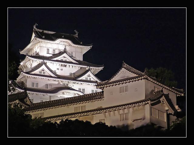 姫路城 Himeji Castle by night