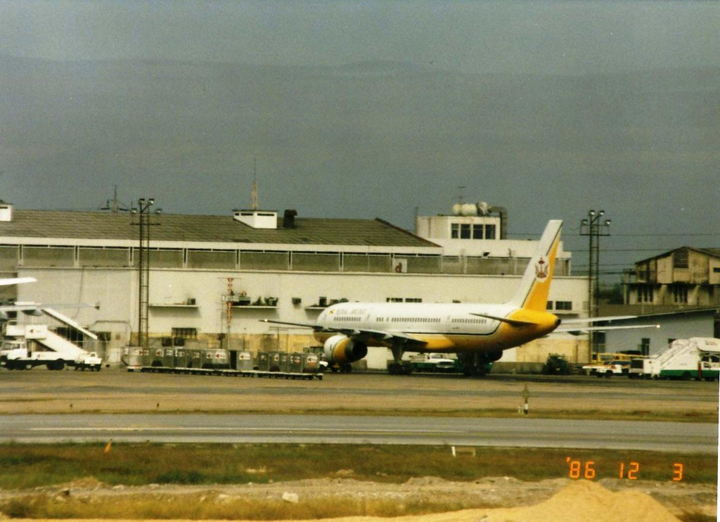 ROYAL BRUNEI 757-200 V8-RBC(cn102) | Bangkok Donmuang airpor