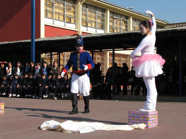 Soldado y bailarina