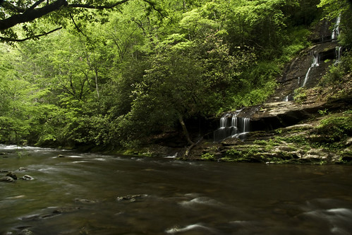 waterfall northcarolina greatsmokymountainnationalpark tombranchfalls deepcreekarea