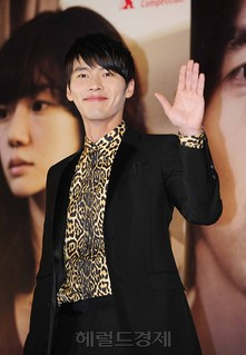 [withhyunbin.com] Come Rain Come Shine Presser - Jan 20 2011 - 215 | by withhyunbin