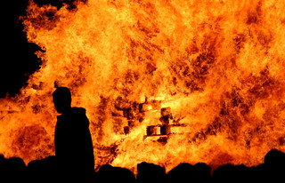 Lewes Bonfire Night 2007 - Wall of Flame | by Dominic's pics