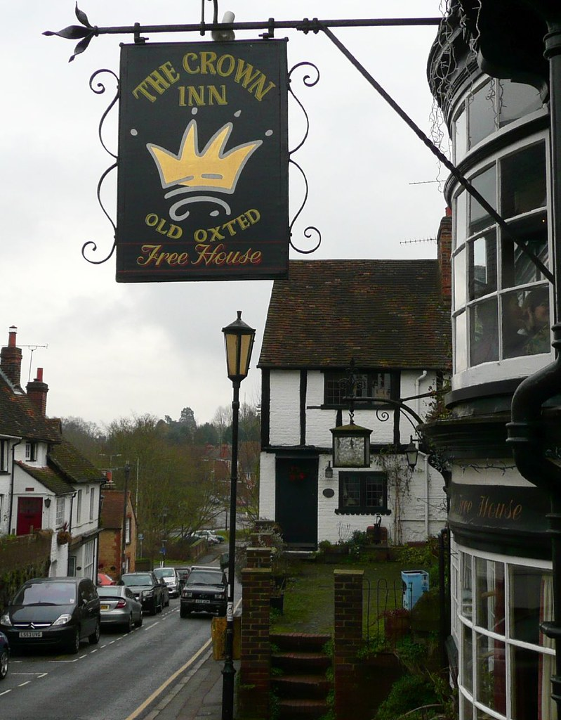 Book 3, Walk 2c, Woldingham to Oxted A pleasant hostelry in Old Oxted, 1 Jan 2008.