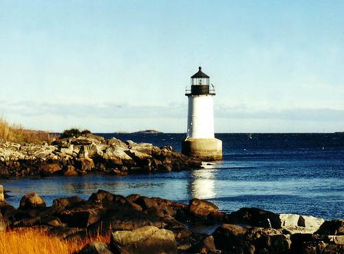 ocean sea lighthouse coast harbor newengland shore salem witchcraft massachussetts fortpickering northatlantic superbmasterpiece ysplix
