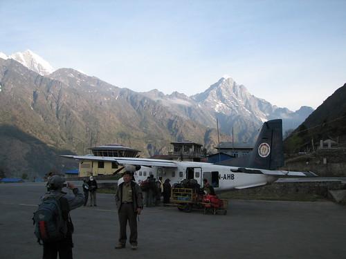 nepal trek geotagged airport lukla solukhumbu sagamartha geo:lat=2769029751629884 geo:lon=8672836566233865