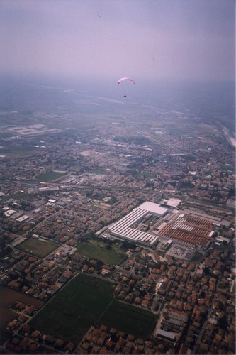 Tue, 01/04/2008 - 22:27 - Mik Brothers over Basano, Pic - Pete Bursnall