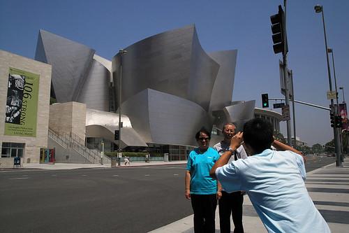 Tourists at the Walt Disney Concert Hall | by juicyrai