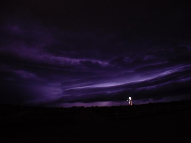 070404 - Phenomenal Early Morning Severe Nebraska Thunderstorm