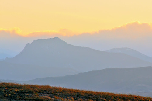 sunset mountains nature silhouette landscape nikon colorado open fort pastel space fortcollins hills compression co layers grasses minimalism simple collins larimer d300 fossilcreek 300f4 clff impressedbeauty fossilcreekreservoir