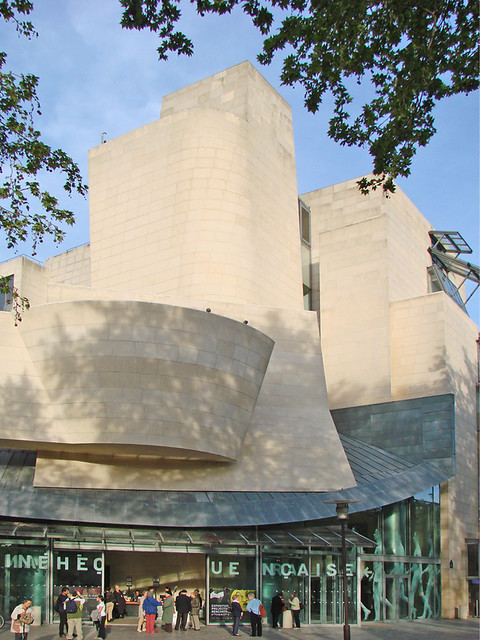Le bâtiment de Frank Gehry (cinémathèque française)