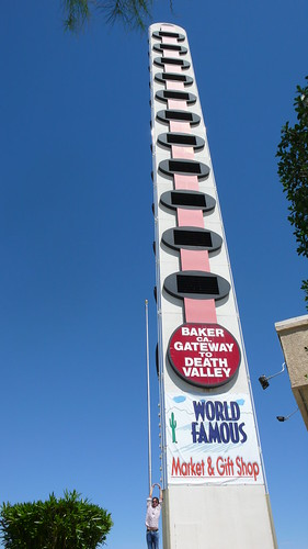 World's tallest thermometer, in Baker California | by pietro lambert