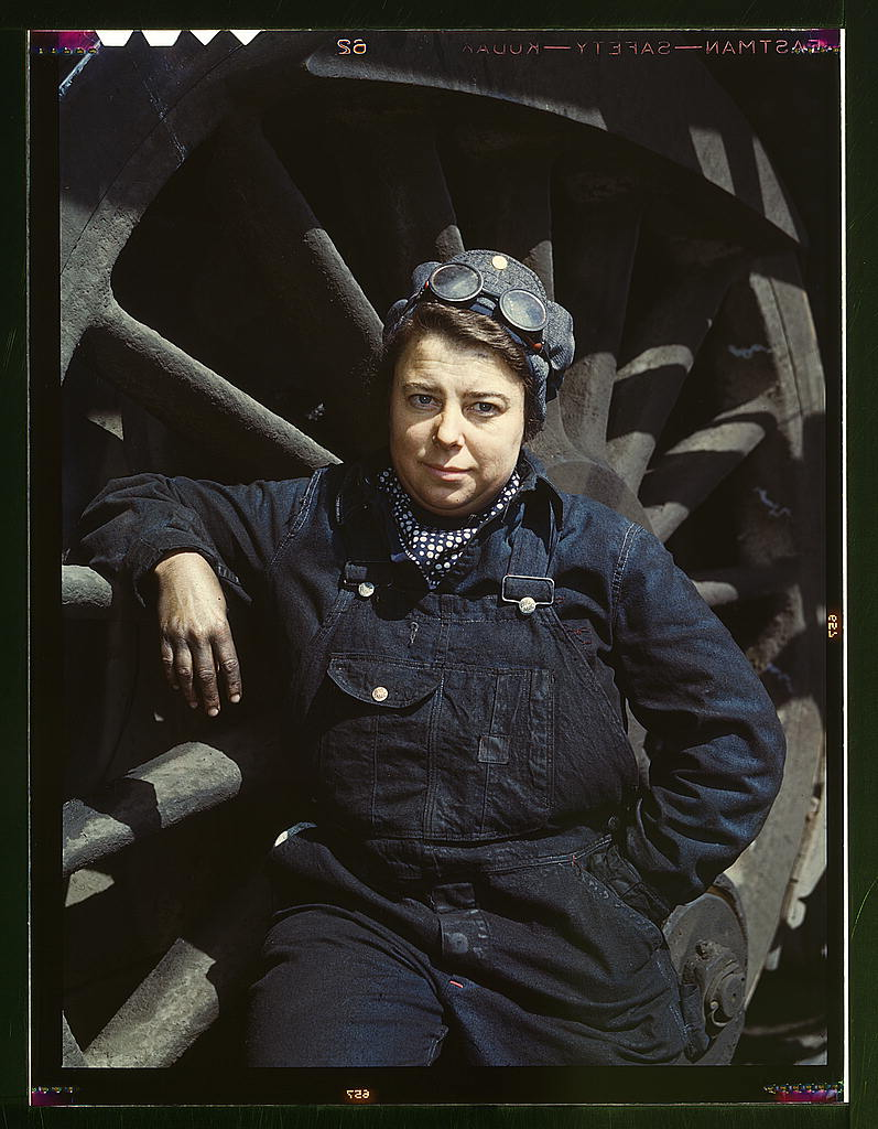 C. & N.W. R.R., Mrs. Dorothy Lucke, employed as a wiper at the roundhouse, Clinton, Iowa  (LOC)
