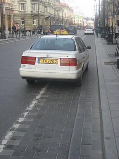 T02700 (car on cycle lane)