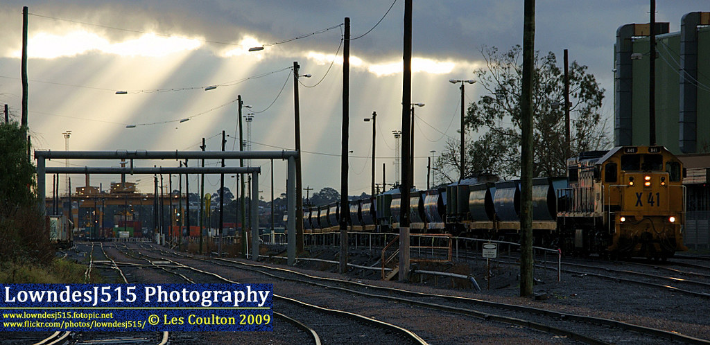 X41 at South Dynon by LowndesJ515