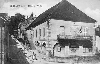 Le cadran solaire sur l'Hôtel de Ville d'Orgelet