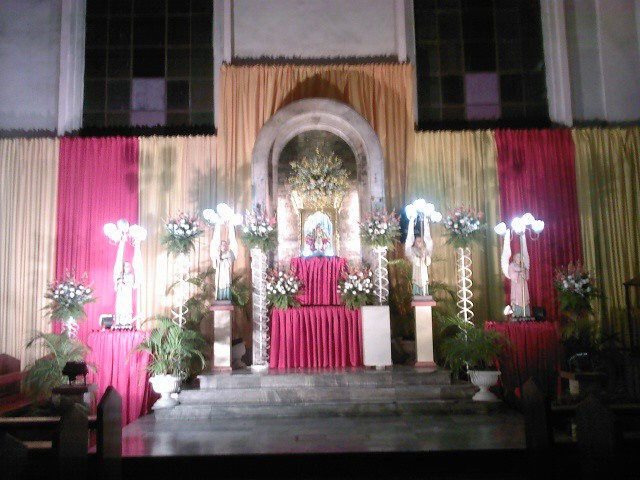 Altar Of Senor Santo Nino De Cebu At The Parroquia De San Flickr
