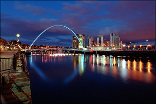 Gateshead Millenium Bridge, Newcastle-upon-Tyne | by Xavier de Jauréguiberry