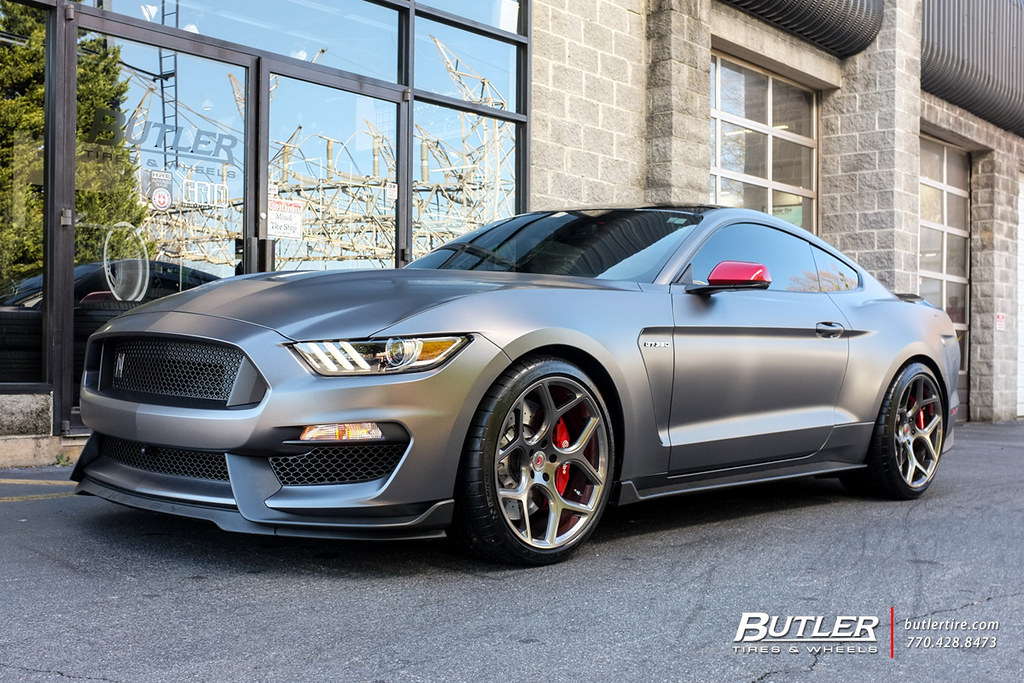 Lowered Ford Shelby Gt350 With 20in Vossen Forged Cg 205 W