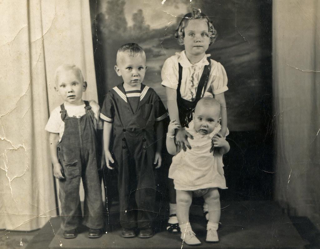 Hinze children - 1947