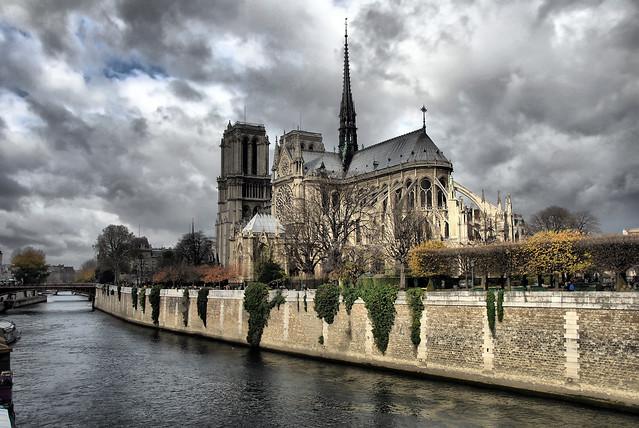 la cathédrale et le ciel - HDR