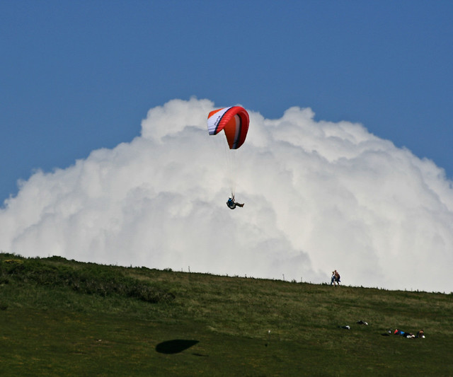 Cloud surfing - Paragliding over the Isle of Wight