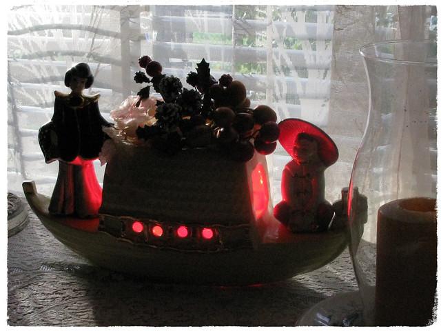 TV Boat Lamp