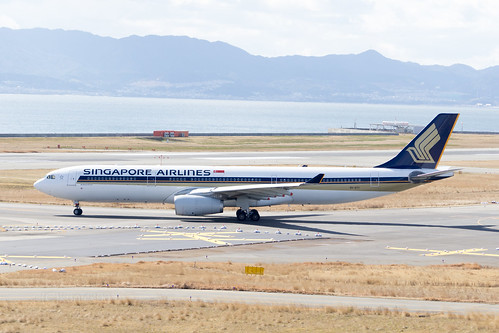 Singapore Airlines 9V-STY | by kuni4400