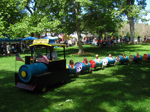 Childrens Day In The Park at Atascadero Lake Park | by Castles, Capes & Clones