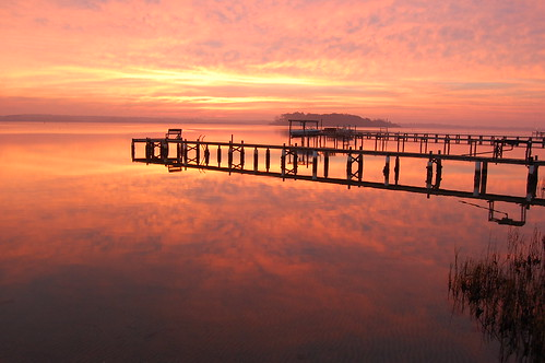 morning pink orange reflection clouds sunrise island swansboro dock northcarolina intercoastal swansboronc carolinachristmastrip2007