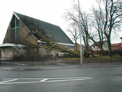 St Ninians   by paisleyorguk