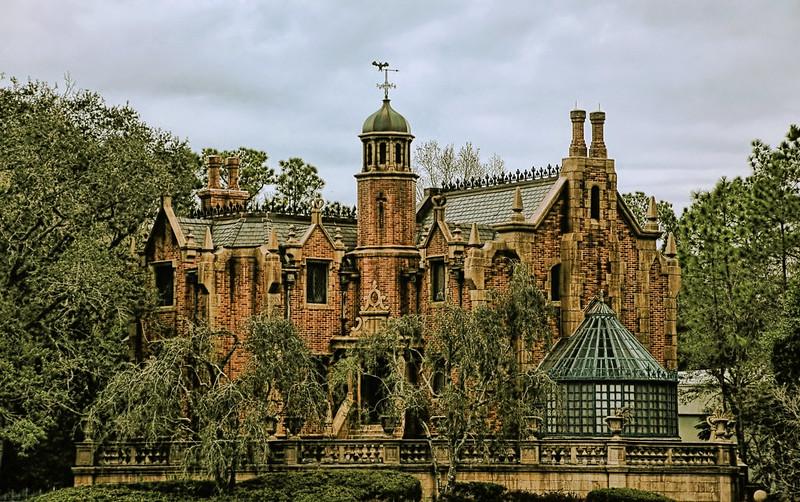 Disney - Haunted Mansion (Explored)