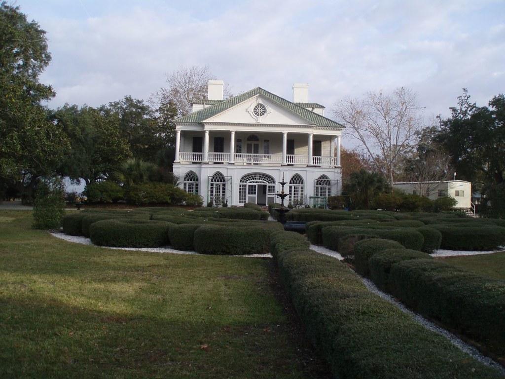Lowndes Grove Plantation