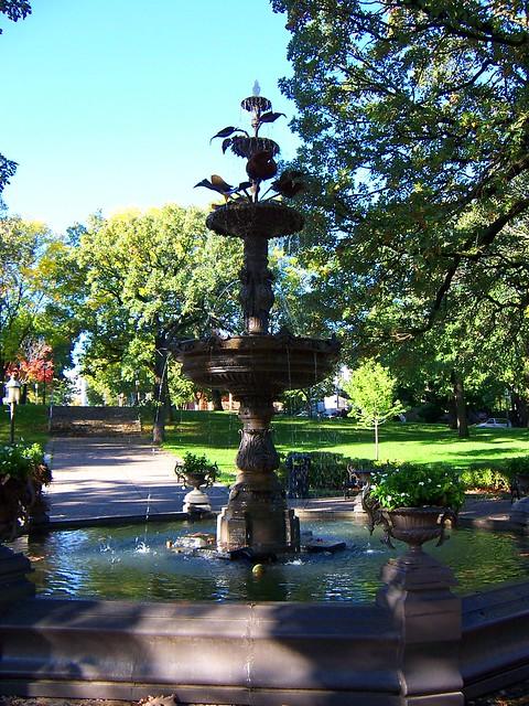 St Paul, MN Irvine Park fountain 2