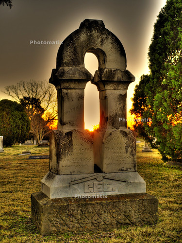 cemetery grave sunrise downtown texas tombstone olympus creepy greenville hdr photomatix greenvilletexas huntcounty e410 28mmf28zuiko