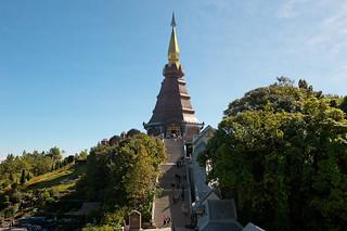 Phra Maha Dhatu Nabhamethanidol | by thai-on