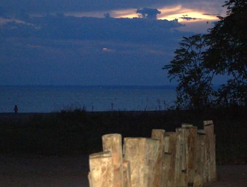 ohio lake beach sunrise d50 nikon lakeerie