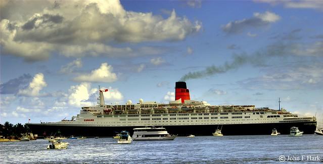 Queen Elizabeth 2 Departing Ft Lauderdale