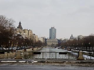Splaiul Independenței along the Dâmbovița River, București   by Alex-397